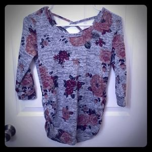 Floral 3/4 sleeve sweater with cinched sides